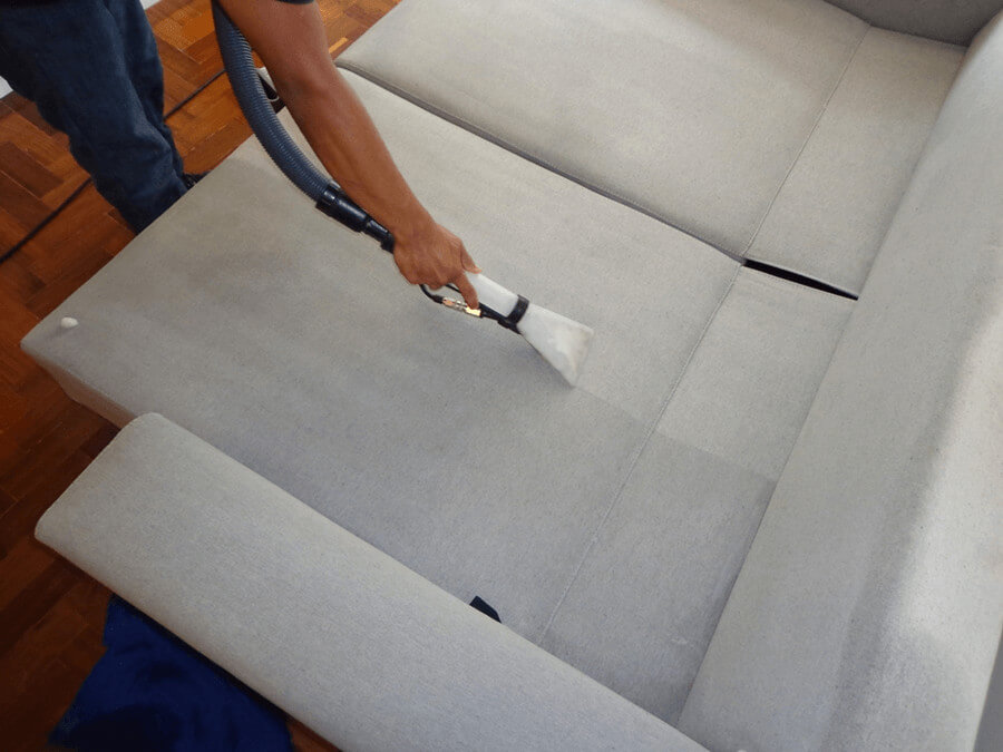 O Serviço é realizado no local, estofado pronto para uso ao final do processo.